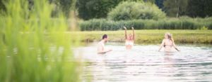 weinlandhof_landschaftsteiche-schwimmen