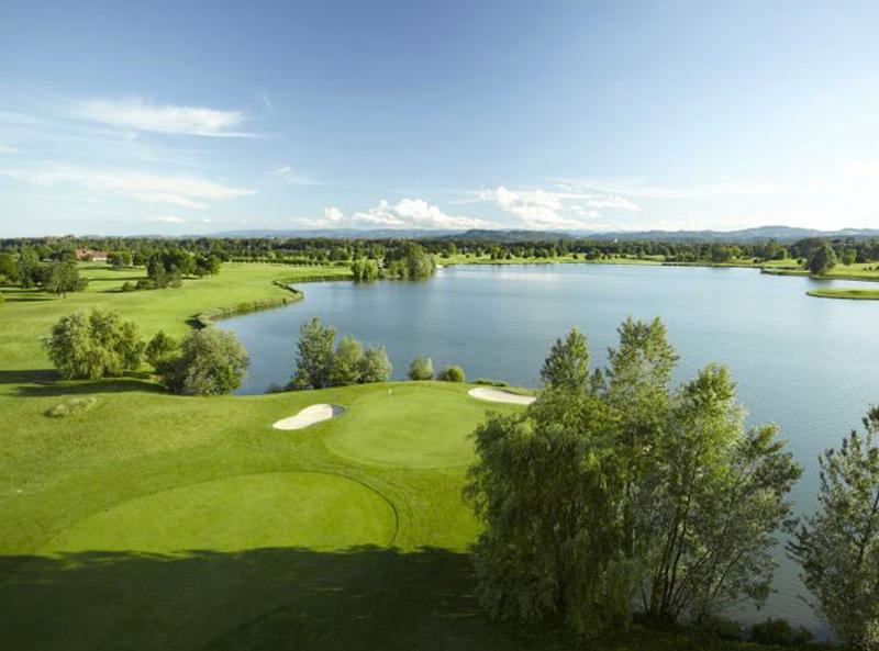 weinlandhof-umgebung-golfen
